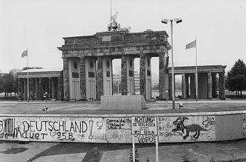 Quermania Seit 10 840 Tagen Steht Die Berliner Mauer