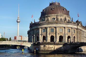 Quermania Berlin Museumsinsel Sehenswurdigkeiten Ausflugsziele Und Museen Pergamonmuseum Altes Museum Und Bode Museum
