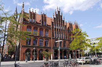 Quermania Altes Rathaus Hannover Niedersachsen Reiseziele Sehenswurdigkeiten Und Bilder In Deutschland