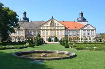 quermania schloss hundisburg barockschloss mit. Black Bedroom Furniture Sets. Home Design Ideas