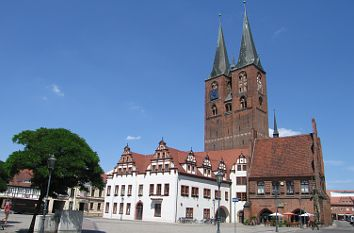 quermania stendal marktplatz mit rathaus marienkirche und roland sachsen anhalt. Black Bedroom Furniture Sets. Home Design Ideas